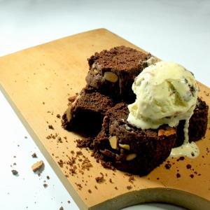 Brownies Coklat Kukus Dari Toko Roti Surabaya Bakery Tenggilis
